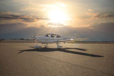 airplane, cirrus, ground
